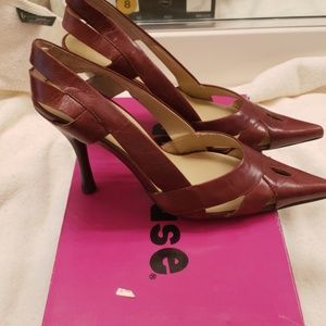 Tobacco color pumps